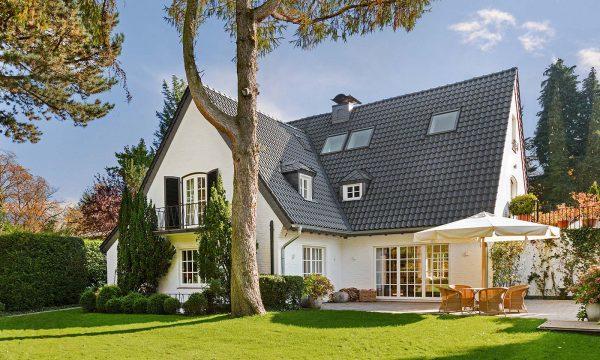 Широкий вибір покрівельних матеріалів та комплектації даху